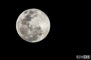 Taken June 24th from Momi when the moon was full and the closest it will be to the Earth all year long.